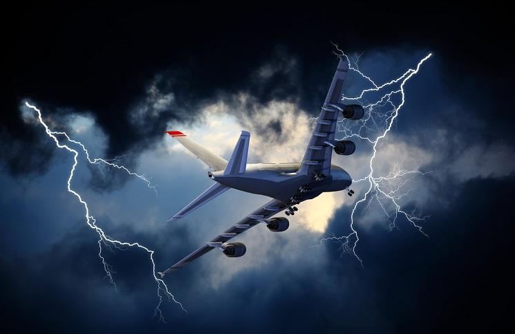Samolot wleciał w burze