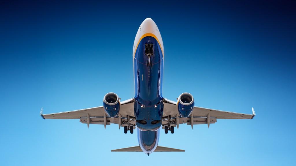 Jak chronić samoloty przed piorunami