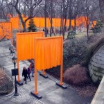 """The Gates"""" - materiałowe bramy w nowojorskim Central Parku"""