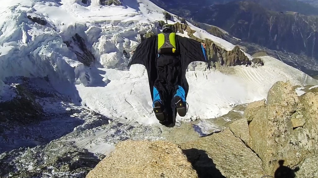Wingsuit winter