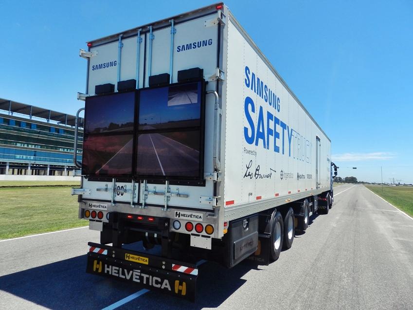 Ciężarówka z monitorem - Samsung