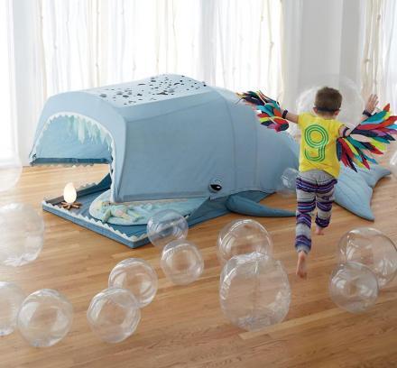 domek do zabawy w kształcie wieloryba