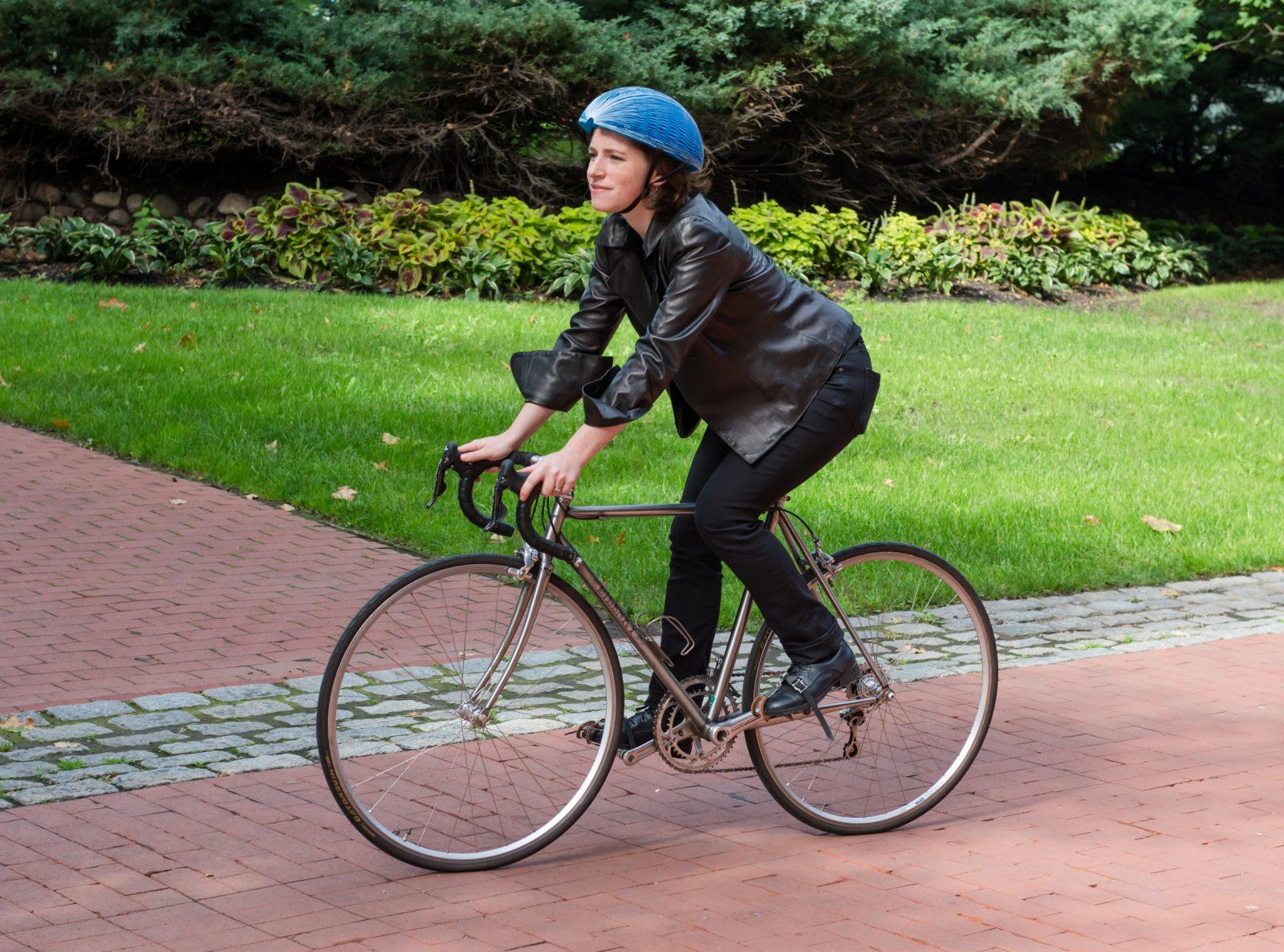 kask-rowerowy-z-recyklingu